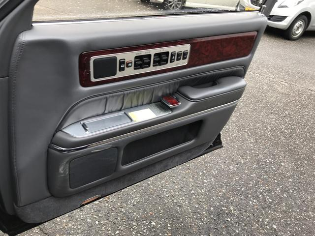 標準仕様車 デュアルEMVパッケージ レザーシート(18枚目)
