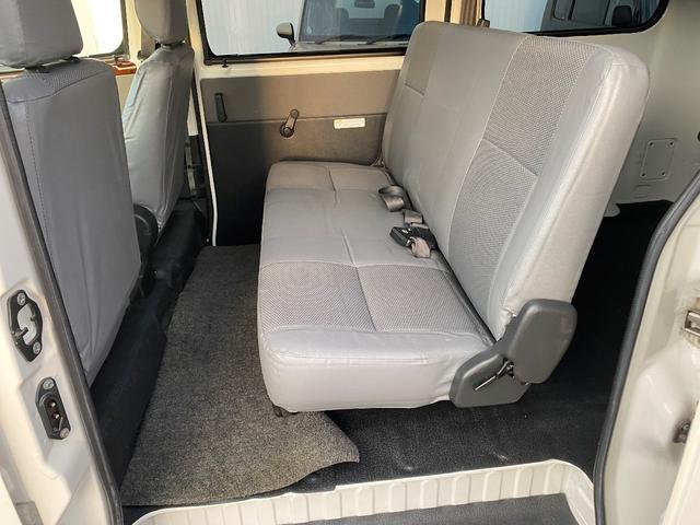 GL GL 4WD ワンオーナー 自社下取り車 5ドア オートマ 純正ナビ バックモニター ワンセグTV ETC キーレス パワーウインドウ バンパー同色 社外アルミ(17枚目)