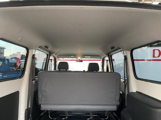 GL GL 4WD ワンオーナー 自社下取り車 5ドア オートマ 純正ナビ バックモニター ワンセグTV ETC キーレス パワーウインドウ バンパー同色 社外アルミ(20枚目)
