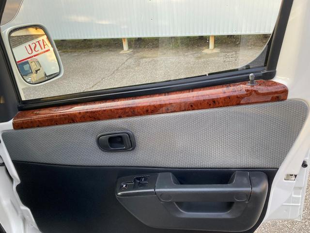 GL GL 4WD ワンオーナー 自社下取り車 5ドア オートマ 純正ナビ バックモニター ワンセグTV ETC キーレス パワーウインドウ バンパー同色 社外アルミ(32枚目)