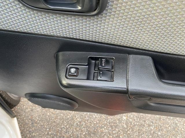 GL GL 4WD ワンオーナー 自社下取り車 5ドア オートマ 純正ナビ バックモニター ワンセグTV ETC キーレス パワーウインドウ バンパー同色 社外アルミ(34枚目)