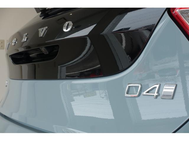 ボルボ ボルボ V40 D4 インスクリプション パノラマガラスルーフ MY2018