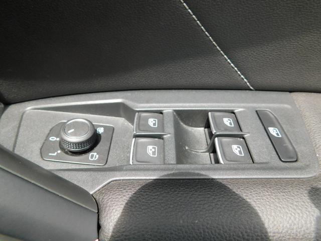 TSI Rライン ナビTV ダイナミックPKG LED 全方位カメラ 衝突軽減ブレーキ レーンキープアシスト ドラレコ 追従クルコン シートヒーター デジタルメーター 19AW ETC CD DVD USB SD BT(39枚目)