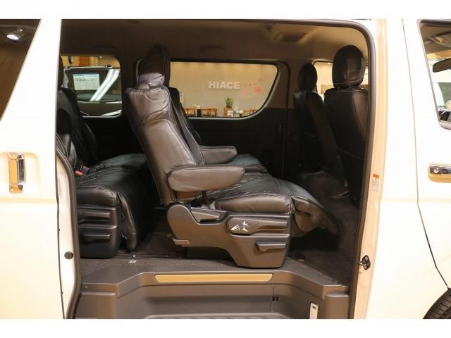 GL ファインテックツアラー トヨタ車体 キャプテンシート(15枚目)