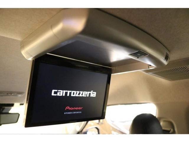 フリップダウンモニターはカロッツェリア製を搭載☆後ろの座席でも映像をお楽しみいただけます♪