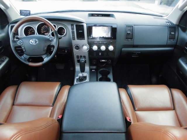 クルーマックス タンドラグレード5.7 V8 4WD(4枚目)