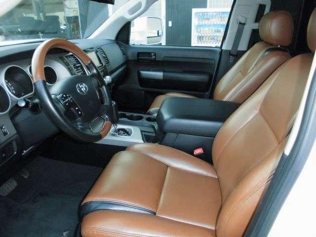 クルーマックス タンドラグレード5.7 V8 4WD(5枚目)