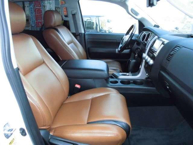 クルーマックス タンドラグレード5.7 V8 4WD(6枚目)