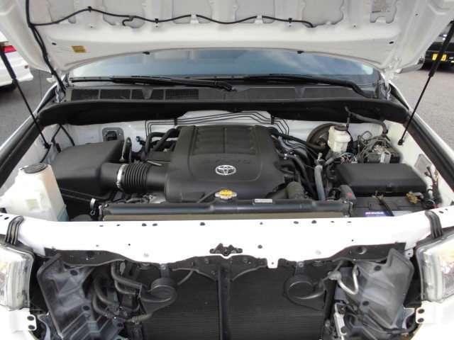 クルーマックス タンドラグレード5.7 V8 4WD(20枚目)
