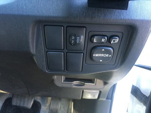 トヨタ プリウス WALD 50ルックフルエアロ S HDDナビTVフルセグ