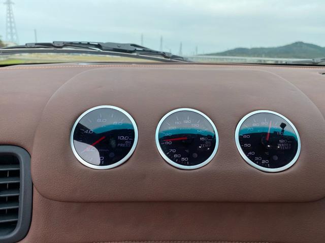 タイプR VeilSide Fortune パワーFC EVC6 フロントパイプ SARDキャタライザー等交換済み ブーストアップ仕様 ダイナパック 384馬力です(26枚目)