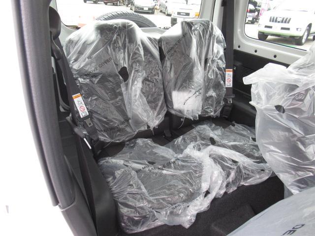 XC セーフティサポート AT車 届出済未使用車 GルックLEDデイライト付グリル 同色バンパー オーディオレス 横滑防止装置 シートヒーター クルコン スペアタイヤカバー ダウンヒルアシスト オートAC(14枚目)