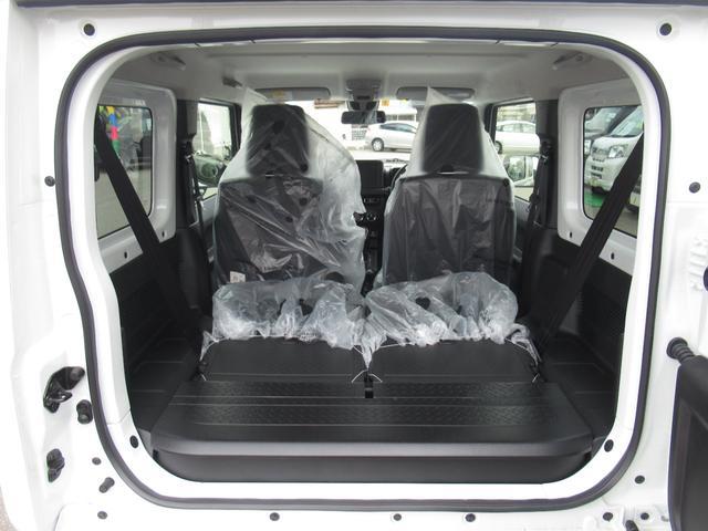 XC セーフティサポート AT車 届出済未使用車 GルックLEDデイライト付グリル 同色バンパー オーディオレス 横滑防止装置 シートヒーター クルコン スペアタイヤカバー ダウンヒルアシスト オートAC(19枚目)