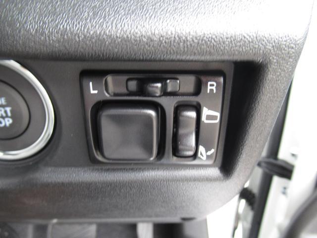 XC セーフティサポート AT車 届出済未使用車 GルックLEDデイライト付グリル 同色バンパー オーディオレス 横滑防止装置 シートヒーター クルコン スペアタイヤカバー ダウンヒルアシスト オートAC(26枚目)