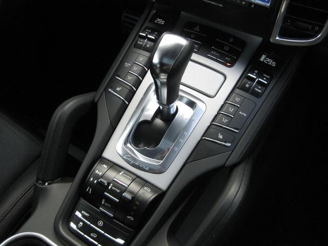 ターボ 4WD ディーラー車 ワンオーナー 21インチアルミ(13枚目)