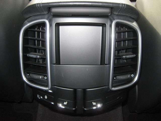 ターボ 4WD ディーラー車 ワンオーナー 21インチアルミ(35枚目)