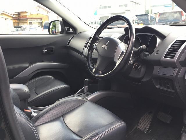 三菱 アウトランダー G 4WD 本革シート HDDナビ ワンオーナー