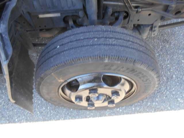 いすゞ エルフトラック フルフラットロー 2トン ディーゼル カスタムグレード