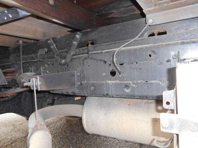 いすゞ フォワード 3段クレーンフックイン 積載2950kg