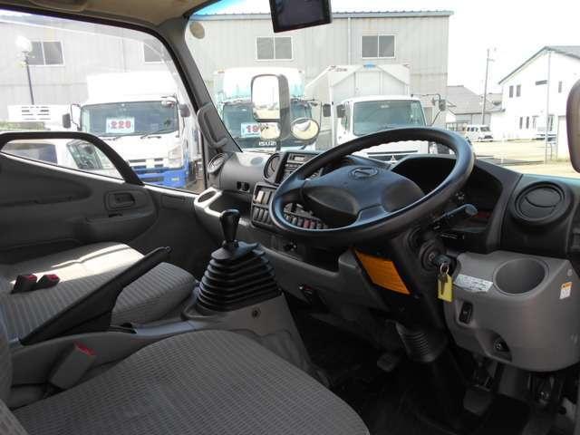 4WD アルミバン 内高216cm トランテックス製(18枚目)