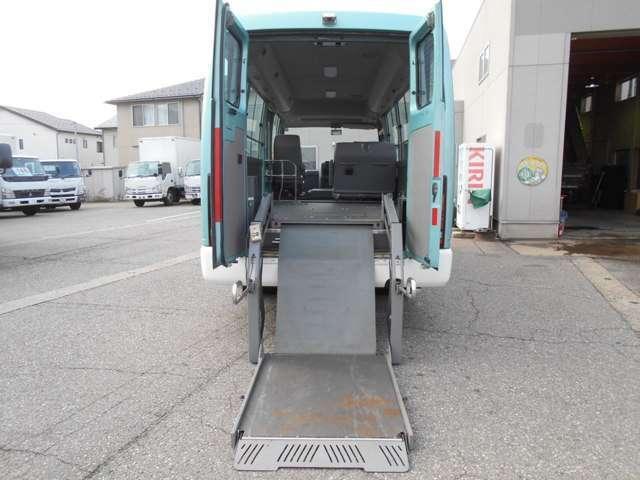 福祉車両 車いす移動車 10人乗り 総重量4190kg(5枚目)