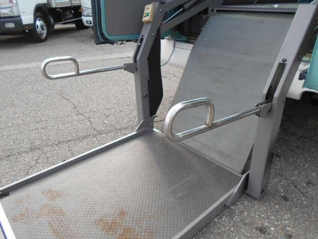 福祉車両 車いす移動車 10人乗り 総重量4190kg(7枚目)