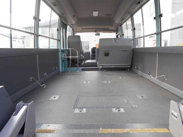 福祉車両 車いす移動車 10人乗り 総重量4190kg(8枚目)
