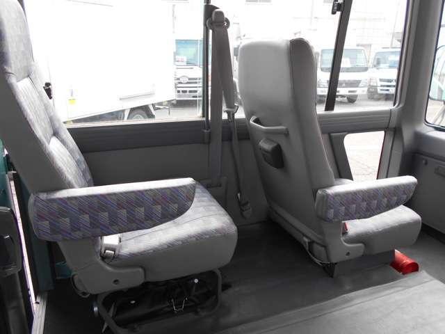 福祉車両 車いす移動車 10人乗り 総重量4190kg(17枚目)