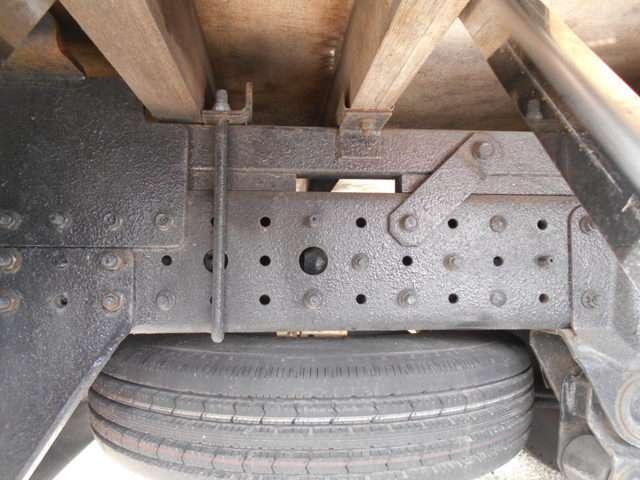 2トン セミロング 4WDカスタムグレード メッキパーツ(17枚目)