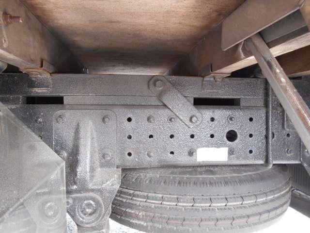 2トン セミロング 4WDカスタムグレード メッキパーツ(19枚目)