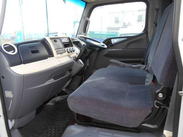 2トン セミロング 4WDカスタムグレード メッキパーツ(20枚目)