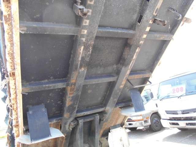 2トン 全低床強化ダンプ 3ペダル(7枚目)