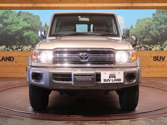 バン 5速MT 4WD ETC キーレス 背面タイヤ 純正16AW 電動デフロック パワーウィンドウ リアヒーター(17枚目)