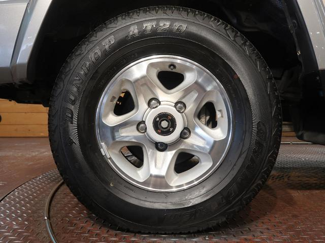 バン 5速MT 4WD ETC キーレス 背面タイヤ 純正16AW 電動デフロック パワーウィンドウ リアヒーター(50枚目)