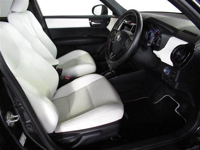 トヨタ カローラフィールダー ハイブリッドG ダブルバイビー 革シート スマートキー