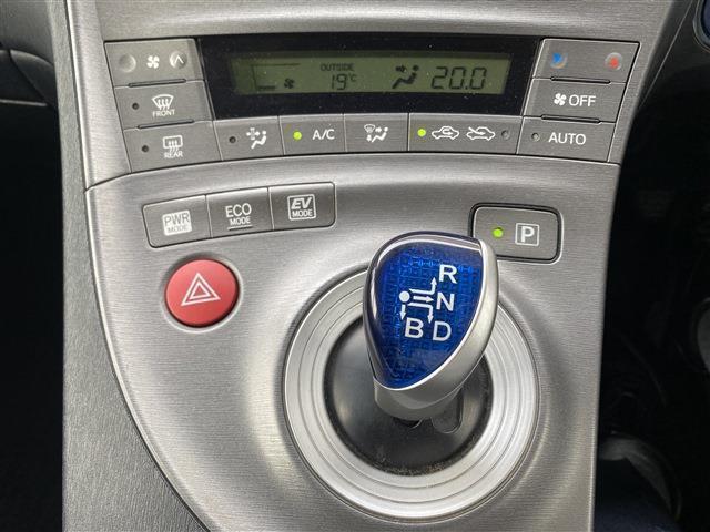 「トヨタ」「プリウス」「セダン」「福井県」の中古車10