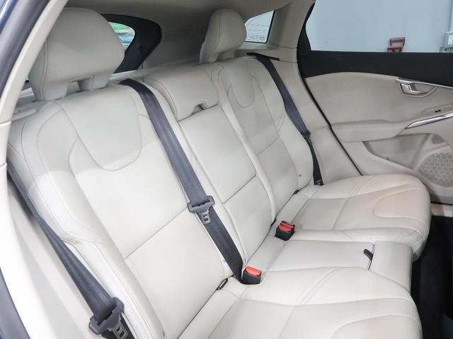 VOLVOのシート形状は人間工学に基づいた設計となっており、長時間の運転でも疲れにくいと定評があります。