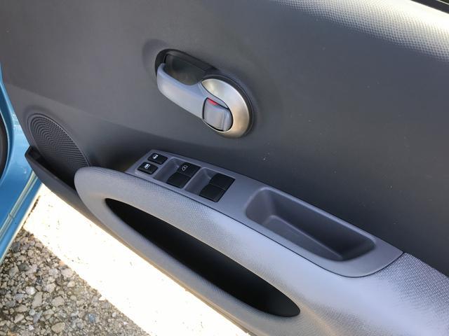 フロアAT AW CD コンパクトカー エアコン 5名乗り(8枚目)