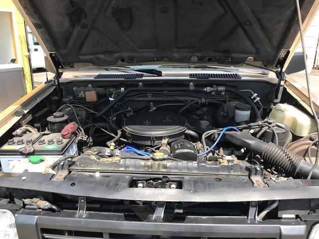 キングキャブ 4WD 左ハンドル 社外ホイール サンルーフ(19枚目)