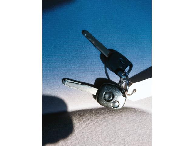 ディーバ キーレス CD 純正14AW 衝突安全ボディ ABS 電動格納ミラー ベンチシート デュアルエアバック エアコン パワステ(19枚目)