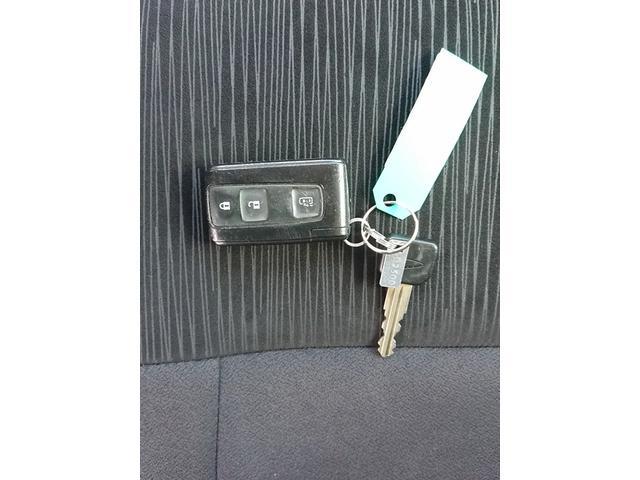 カスタムXリミテッド スマートキー HID ベンチシート 片側パワースライドドア オートエアコン 14インチAW 衝突安全ボディ 盗難防止システム(20枚目)