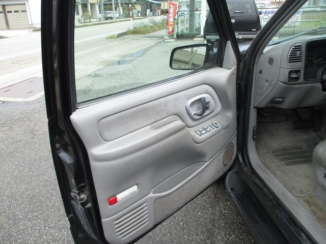 「シボレー」「シボレータホ」「SUV・クロカン」「富山県」の中古車12