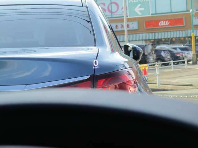 フロントガラス投影式のアクティブドライビングディスプレイです。安全装備の作動状況やナビの案内標識など、必要な情報が一目でわかりますので、わき見運転防止につながります。