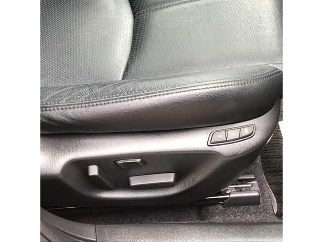 1.5 15XD Lパッケージ ディーゼルターボ 本革シート NAVI 衝突軽減B 革シート 1オナ BT ターボ LED バックカメラ ETC ナビ MRCC シートヒーター スマートキー メモリナビ 運転席パワーシート(5枚目)