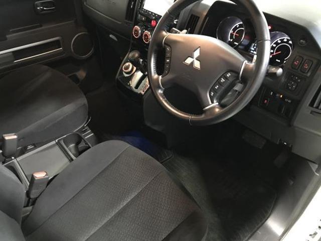2.2 D パワーパッケージ ディーゼルターボ 4WD 両側電動スライドドア 地デジ ナビTV クルコン HID シートヒーター DVD ターボ ETC メモリーナビ スマートキー 4WD 横滑り防止装置 エアバック キーレス 両側自動D 後席モニタ-(6枚目)