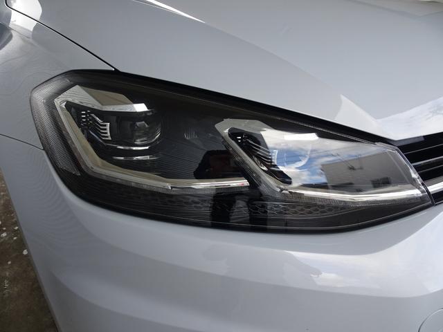 LEDオートライトで夜間走行も安心です。