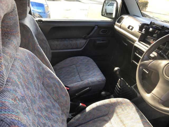 XC 軽自動車 4WD シルバー 5MT 16インチアルミ(7枚目)