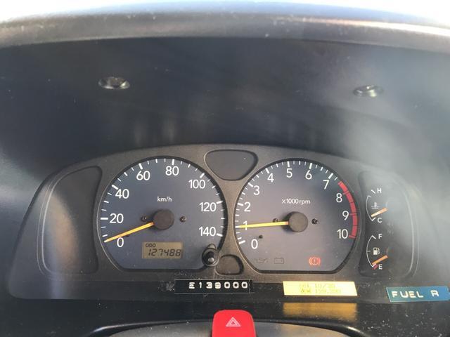 XC 軽自動車 4WD シルバー 5MT 16インチアルミ(9枚目)