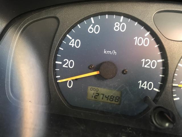 XC 軽自動車 4WD シルバー 5MT 16インチアルミ(12枚目)