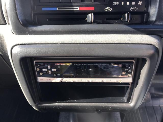 XC 軽自動車 4WD シルバー 5MT 16インチアルミ(13枚目)